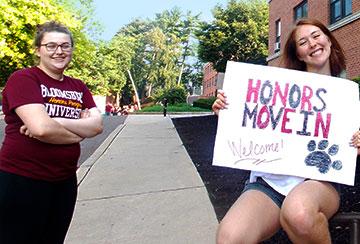 BU Honors students welcoming Honors freshmen to campus